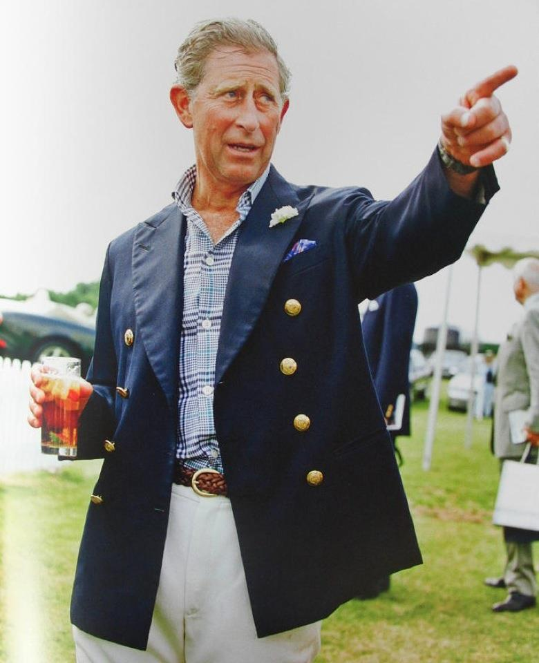 Principe Carlo in blazer blu
