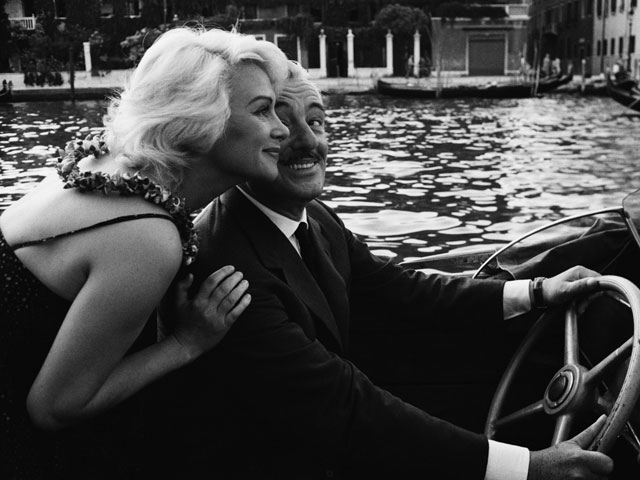 Vittorio De Sica e la diva francese Martine Carol